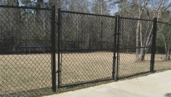 Chain link fences are very popular in Savannah. The reason why is because chain link is very affordable compared to other fence types and is great for providing security! Chain link can come in many different colors and styles as well.